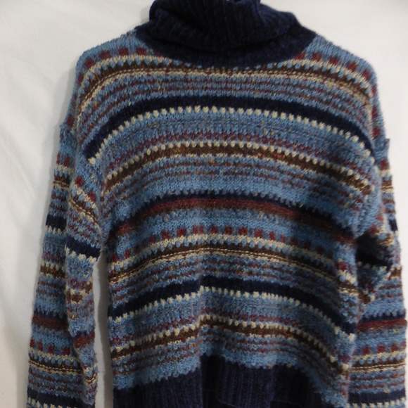UP sweater with chenille collar and cuffs GUC